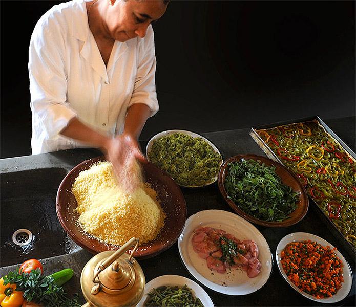 Rachida notre chef cuisinière, un des piliers de La Pause